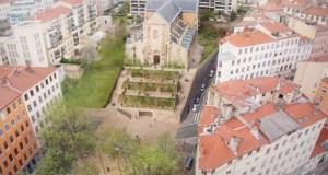 Église Saint-Bernard - Lyon - Le parvis avec ses terrasses et jardins suspendus après reconversion du site © Pierre Descubes
