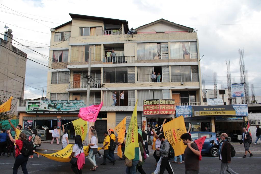 Marche de résistance le jour de l'inauguration de Habitat III, Quito, 17.10.2016