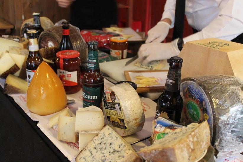 tomar queso en Sevilla