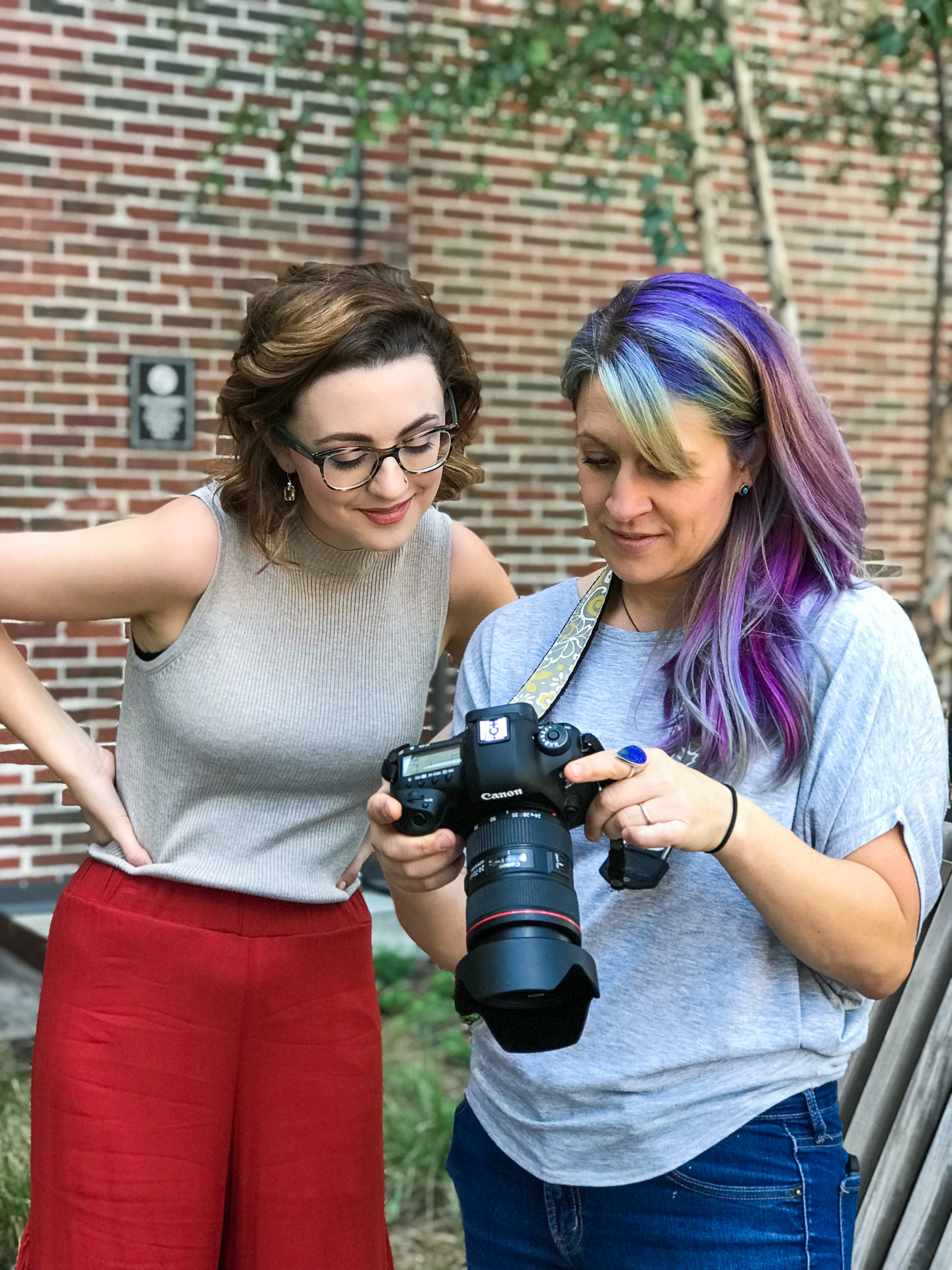 Georgia Based photographer Starr Petronella photographs teens, tweens, special needs, down syndrome, and high school seniors. She also takes pictures of dance, gymnastics, sports and extreme hobbies.
