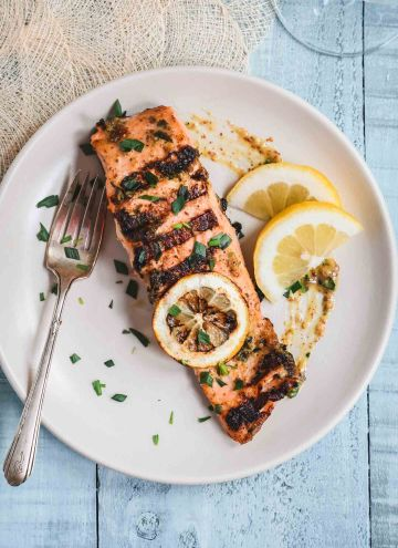 Grilled Salmon with Mustard Sauce