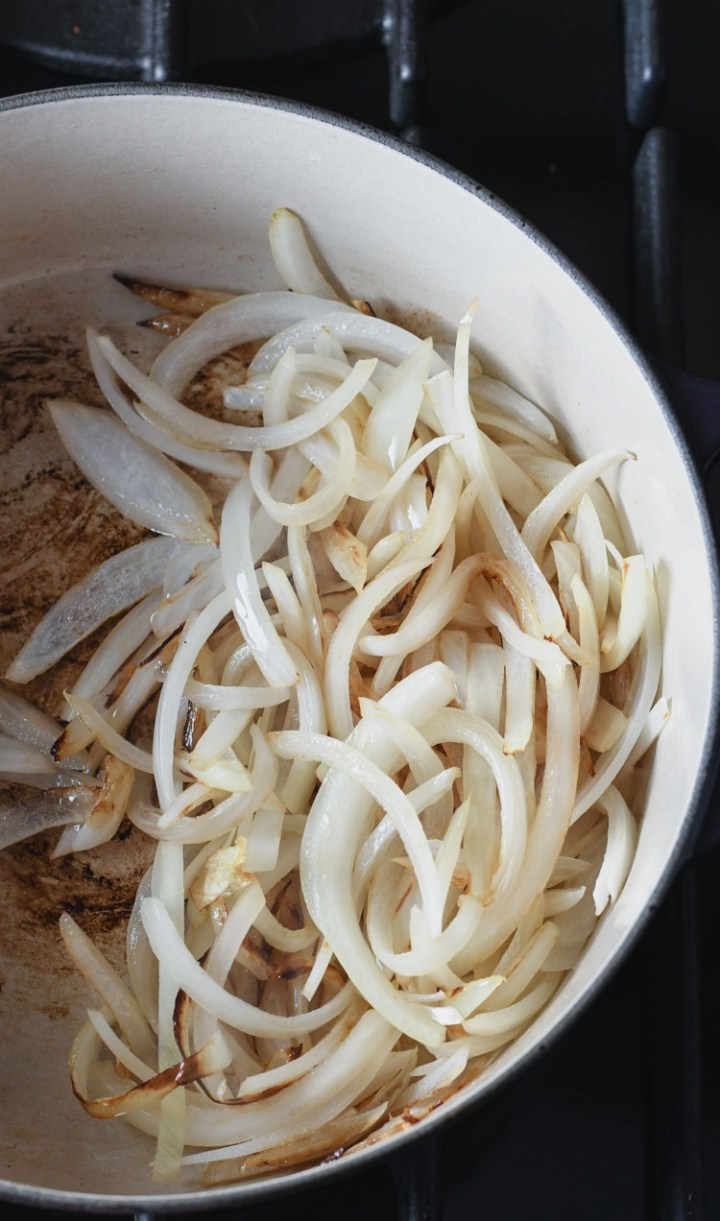 Learn how to make golden-brown caramelized onions without a lot of fuss by following these easy steps.