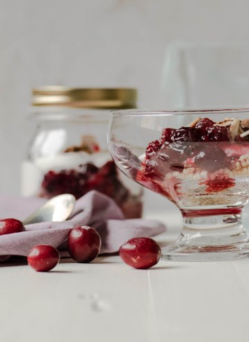 Quinoa Cranberry Breakfast Jar Parfait
