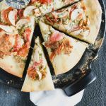 This grilled proscuitto & pear pizza has a perfect crisp crust!