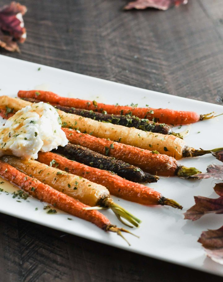 These simple roasted carrots will up your side dish game!