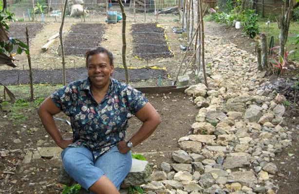 dominican_republic_hug_garden