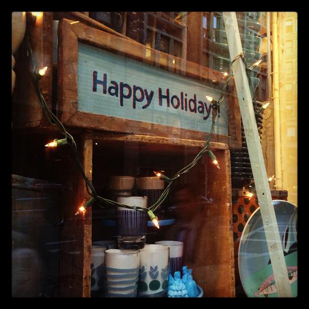 happy-holidas-fishes-eddy-window