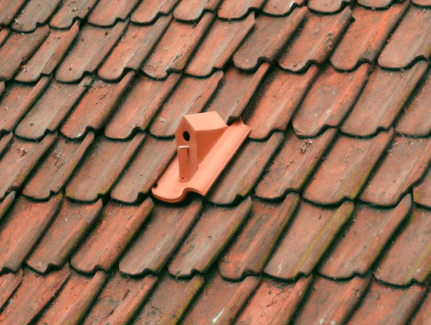 birdhouse-roof-tile