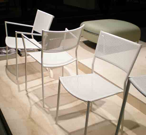 Jig-White-2-chairs-from-Massproductions