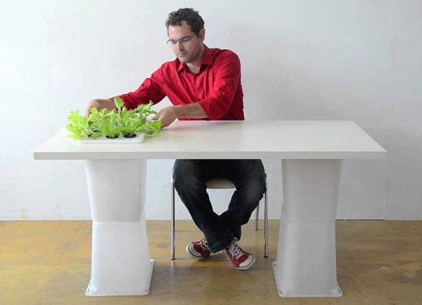 eliooo--desk