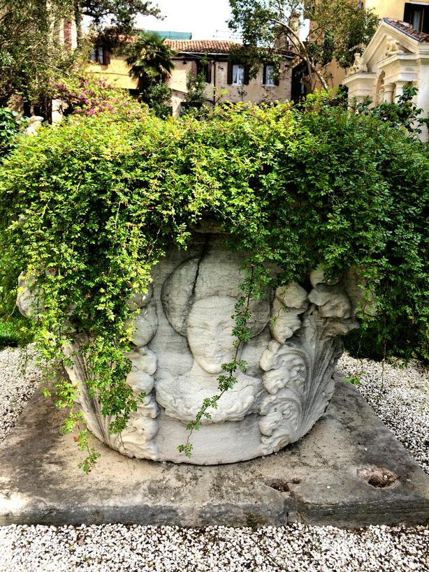 palazzo-bonibo-garden-well-planted-614