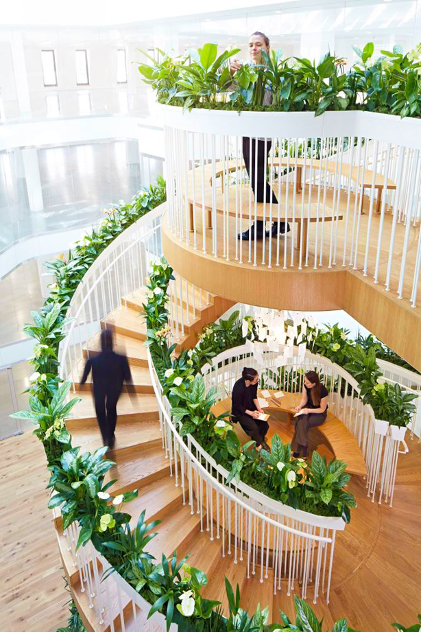 Living_Staircase_Ampersand_rising_urbangardensweb