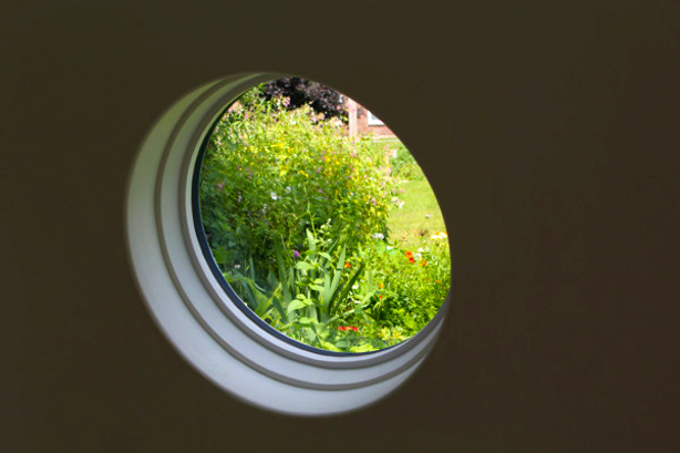 archipod_garden-office_window_to_garden_urbangardensweb