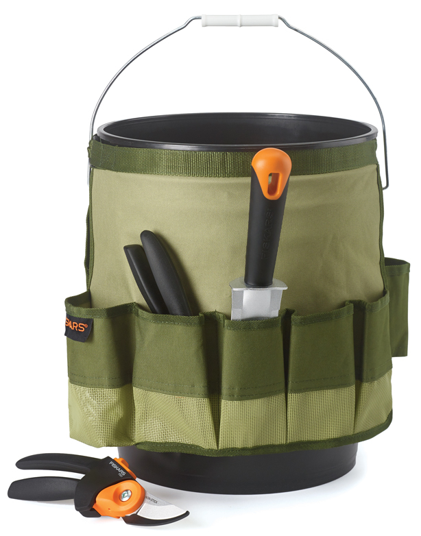 Fiskars-bucket-pruner_HolidayGiftGuide