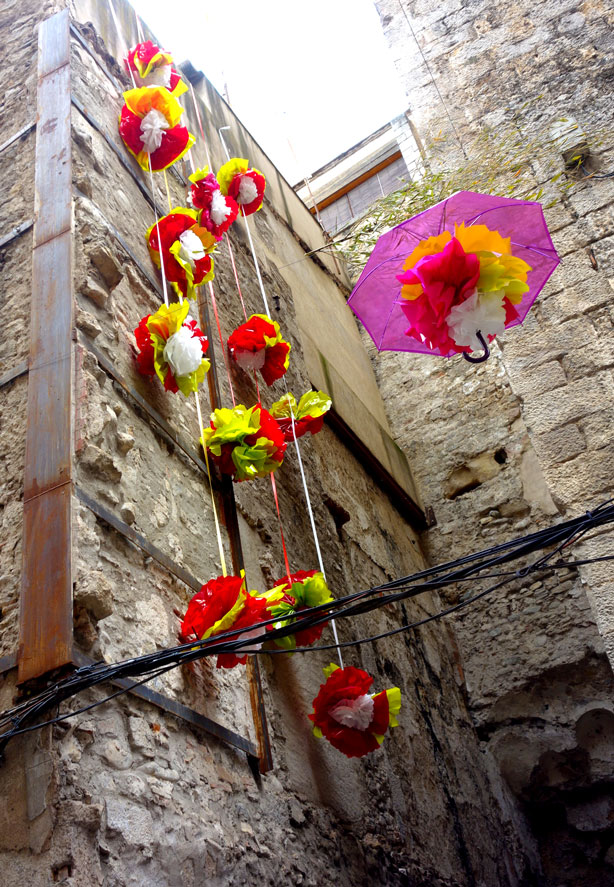 temps-de-flors-paper-flowers0side-building-urbangardensweb