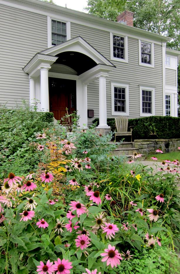 Connecticut-house-and-garden-makeover-robin-plaskoff-horton-urbangardensweb
