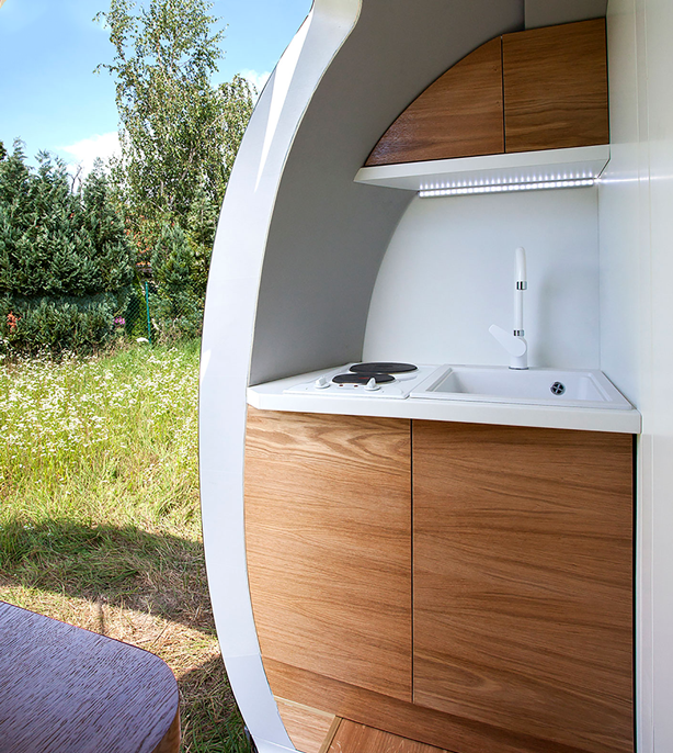 urbangardensweb_ecocapsule_off-grid_self-sustainable_microhome_powered_by_solar_and_wind