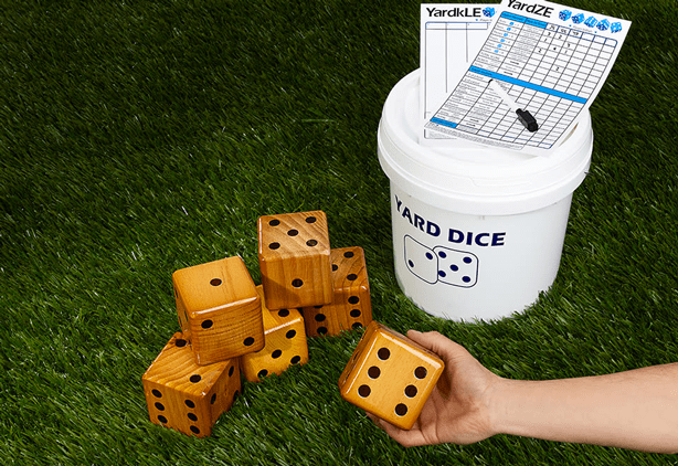 giant yard dice lawn game