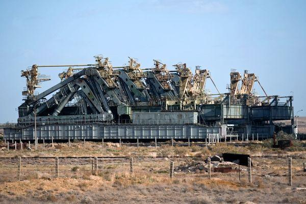 russian space shuttle transporter 6 Abandoned Mega Machines