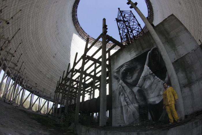guido-van-helten-chernobyl-10