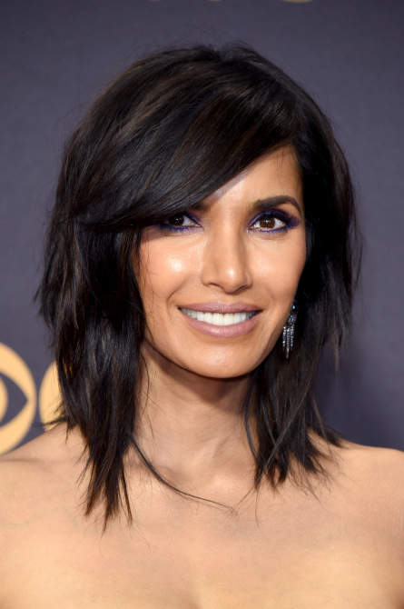 padma lakshmi 2017 emmys Padma Lakshmi Just Got a New Shaggy Lob with Side Swept Bangs