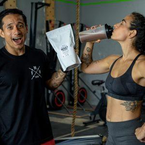 isoplate whey protein optimun nutrition sacha fitness hydrolizada suero lacteo ecuador proteinas para perder peso masa muscular salud recetas fitness gym musculos