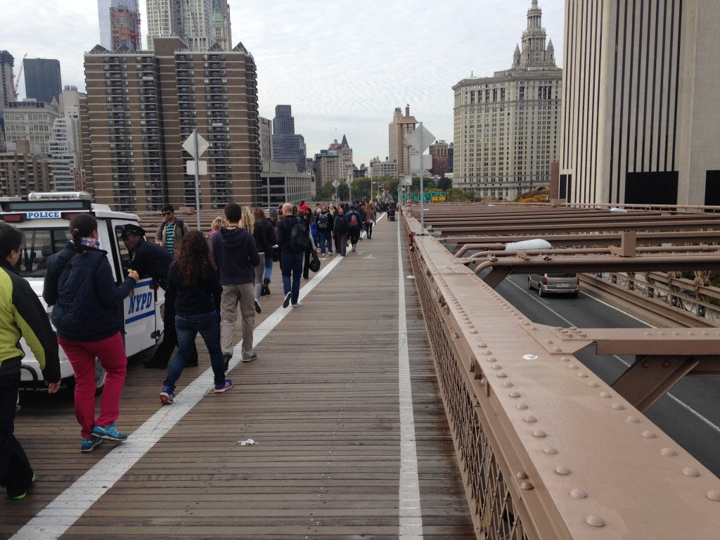 brooklyn-bridge-pedestrian-bike-lane-crazy