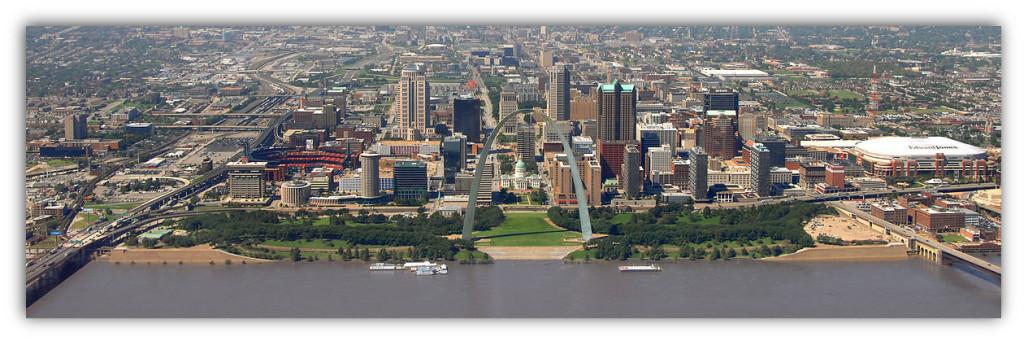 1200px-St._Louis_skyline_September_2008-DS