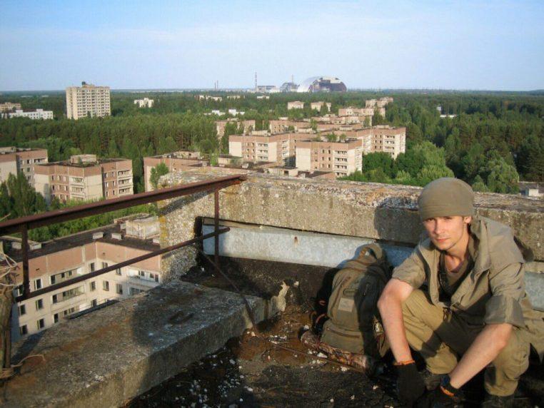 Владимир на крыше одного из самых высоких зданий Припяти
