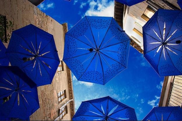 llueven paraguas