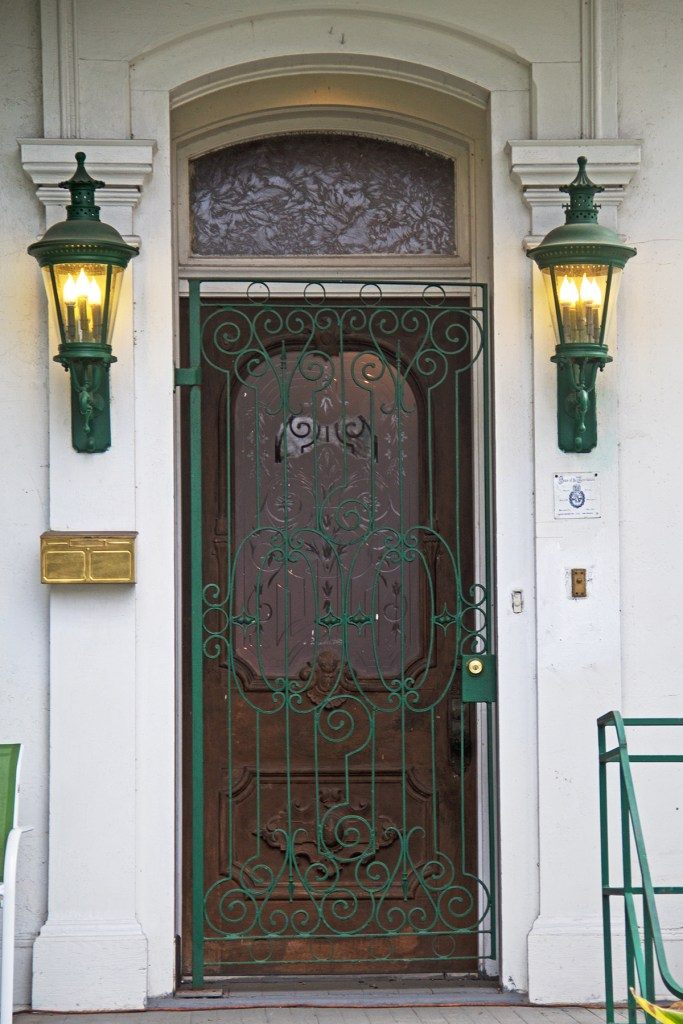 Photo of the entrance to a home in New Orleans' Garden District