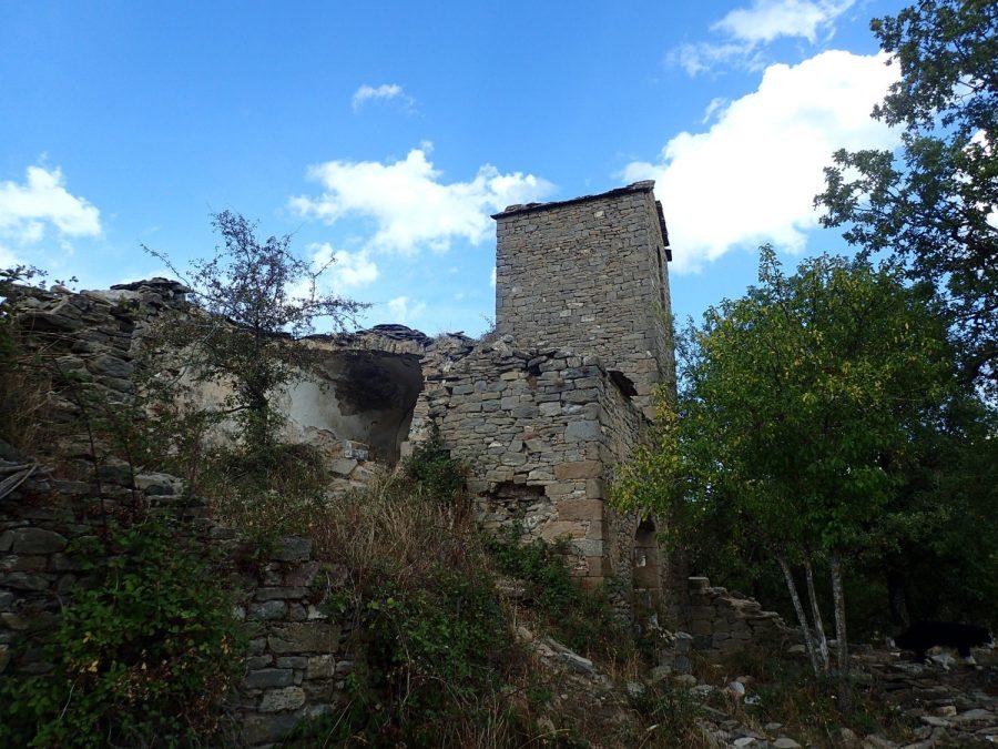 Village d'Otín, Sierra de Guara - Ur eta Lur, Canyoning et Randonnée