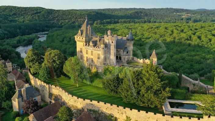 Photo aérienne du château de Montfort