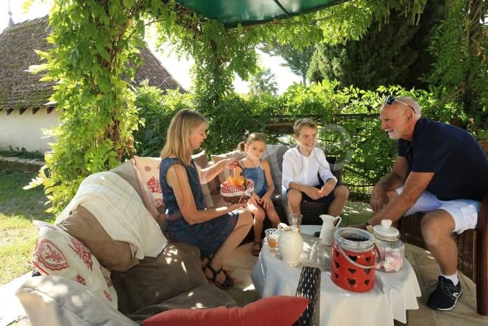 Photographie de petit-déjeuner en famille