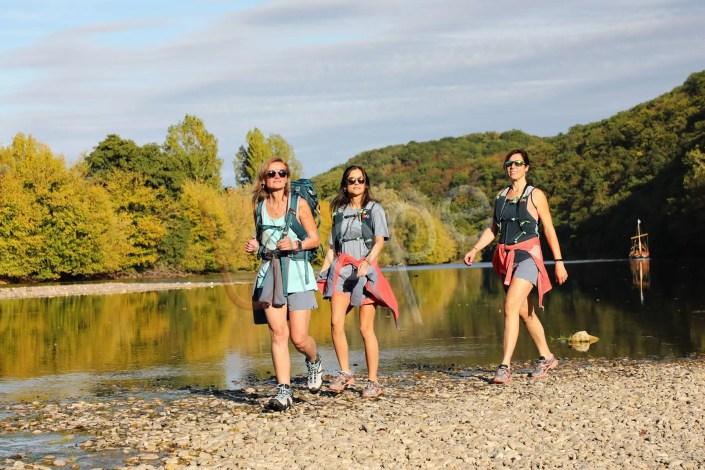 Photo d'une randonnée en bord de Dordogne avec une Gabare à Castelnau