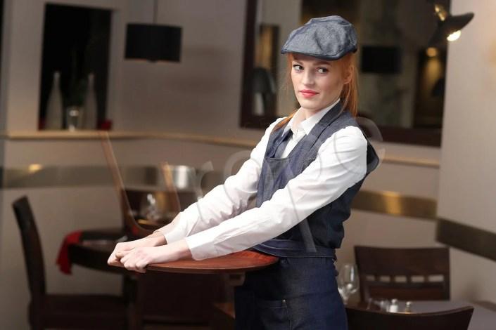 Image de serveuse dans un restaurant