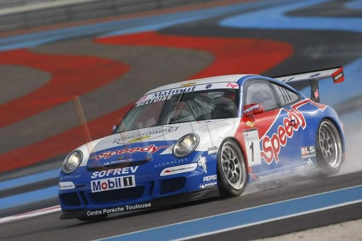 Capturer la Porsche lors d'une course au circuit du Castellet