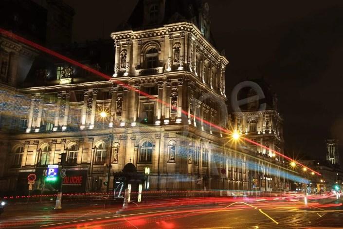 Photographe d'architecture : Mairie de Paris de nuit en vitesse lente