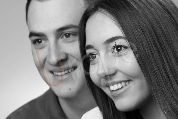 Photo portrait de mariage d'un couple en studio à Grenoble chez l'Agence Urope