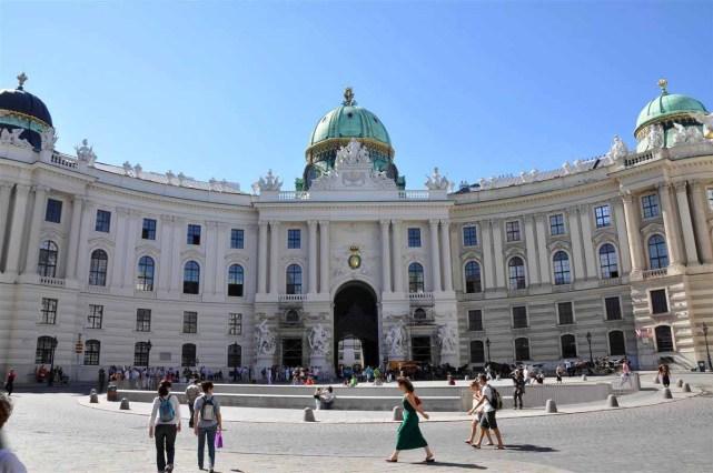 قصر هوفبورغ من اهم معالم فيينا