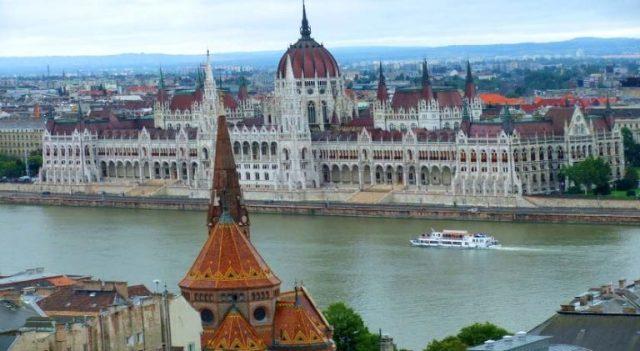 السياحة في فيينا النمسا تعرف على نهر الدانوب احد الاماكن السياحية في فيينا العاصمة النمساوية ومعالم اخرى في مدينة فيينا