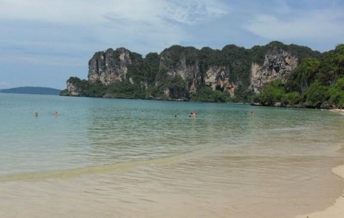 شاطئ رايلي من اجمل الاماكن السياحية في كرابي تايلاند