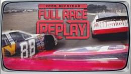 Dale Earnhardt Jr. et Carl Edwards à la lute pour la victoire au Michigan en NASCAR XFINITY Series lors de la saison 2006.