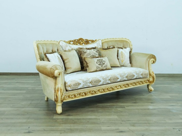 Fantasia Luxurious Sofa