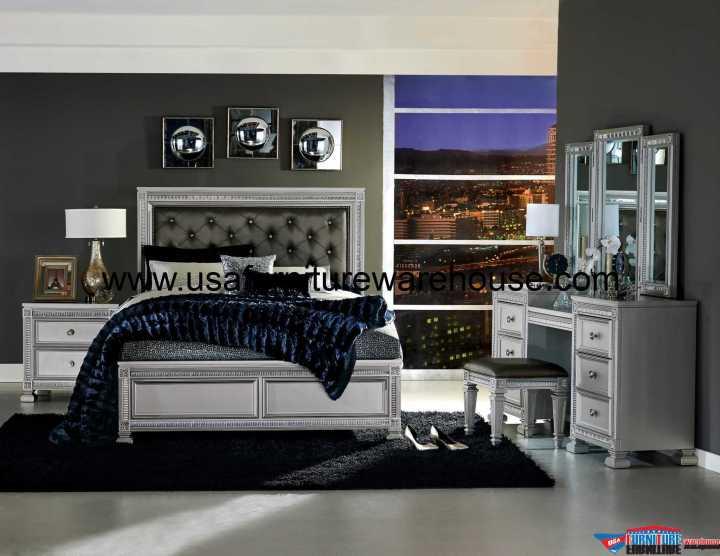 Bevelle Tufted Panel Bedroom Set