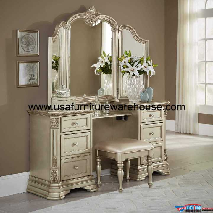 3 Piece Antoinetta Vanity Set