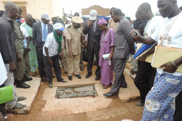 Mopti Governor and USAID Director visit a latrin under construction