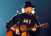Neil Young Net Worth 2020, Biography, Career and Awards