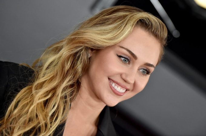 Miley Cyrus Height