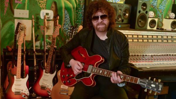 Jeff Lynne Net Worth 2019